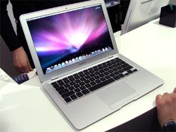 MacBook Air v Brně